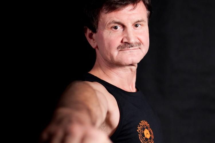 Zadbaj o swój kręgosłup – rozmowa z Januszem Dąbrowskim – część 1