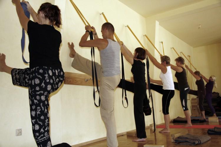 Dlaczego warto ćwiczyć jogę ?